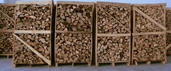 Vendita legna da ardere per stufe e caminetti pinerolo for Vendita legna da ardere